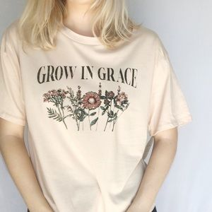 Grow in Grace NWOT Boho Graphic Tee